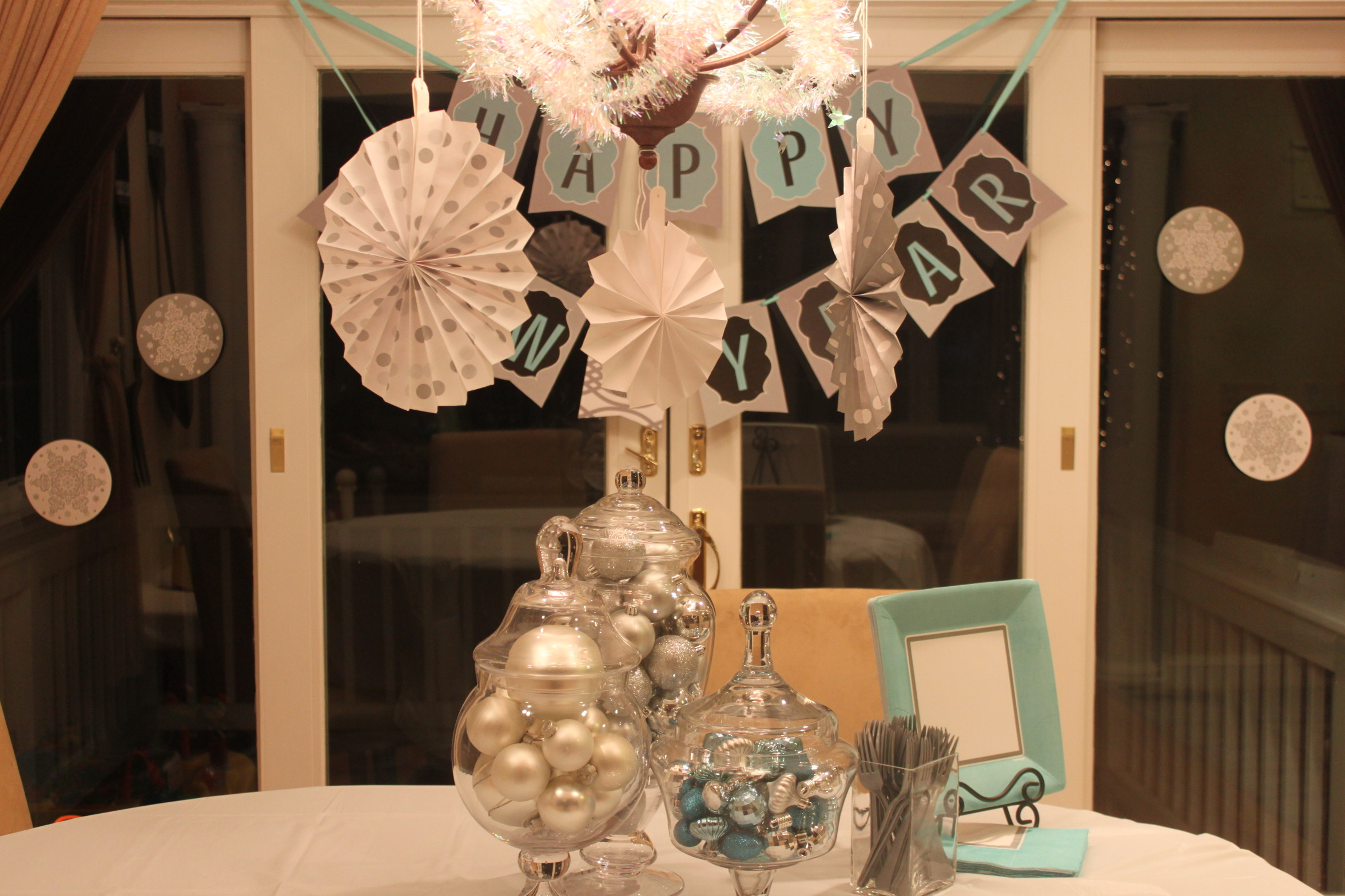 new years eve party decor ideas - HD2352×1568