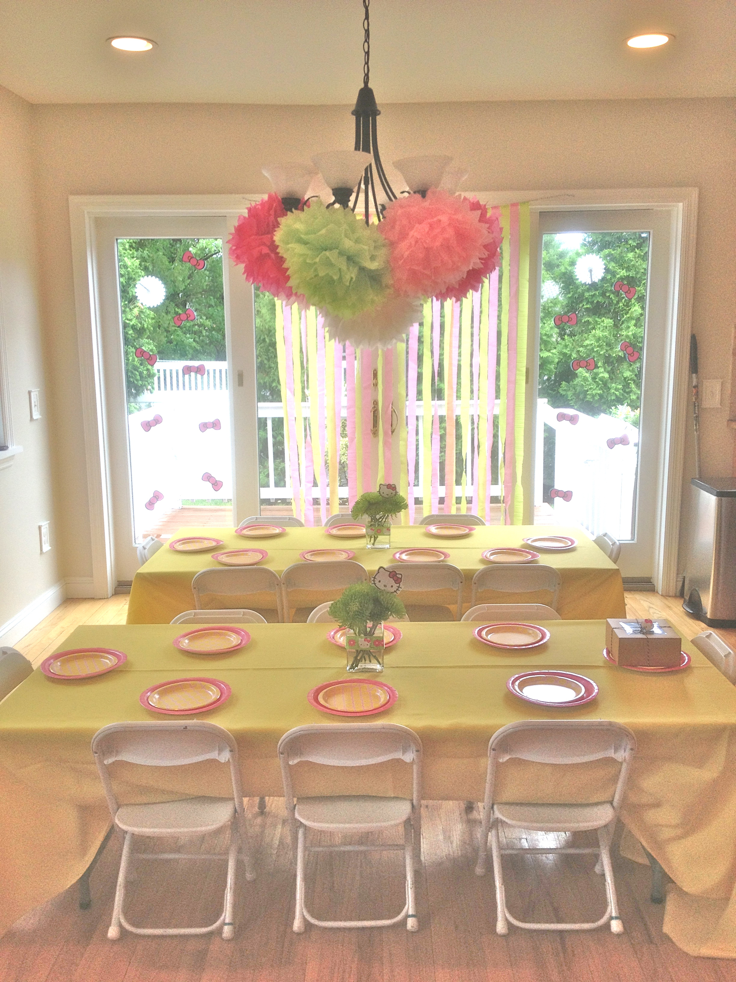 Hello kitty dining room - I Used Fresh Flowers As Centerpieces Tied Hello Kitty Ribbon Around The Vase And Put A Print Out Of Hello Kitty On A Skewer To Bring A Touch Of Hello